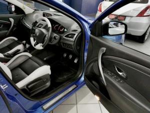 Renault Megane hatch 162kW turbo GT - Image 7