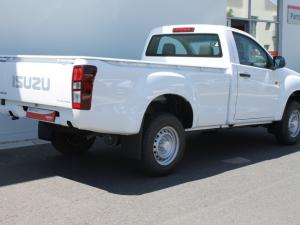 Isuzu D-Max 250 Fleetside safety - Image 2