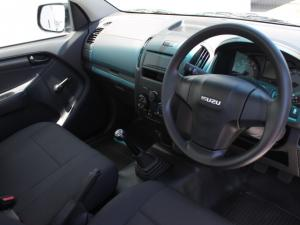 Isuzu D-Max 250 Fleetside safety - Image 4