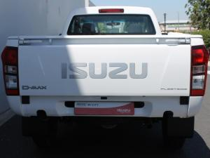 Isuzu D-Max 250 Fleetside safety - Image 7