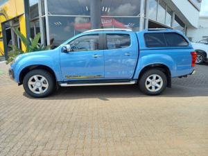 Isuzu KB 300D-Teq double cab Serengeti auto - Image 13