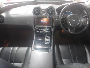 Jaguar XJ i4 Luxury - Image 7
