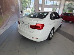 BMW 318i automatic - Image 4