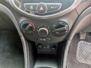 Hyundai Accent hatch 1.6 Fluid - Image 11