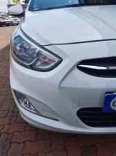 Hyundai Accent hatch 1.6 Fluid - Image 3