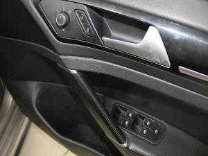 Volkswagen Golf VII GTi 2.0 TSI DSG Performance - Image 10