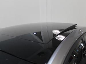 Volkswagen Golf VII GTi 2.0 TSI DSG Performance - Image 3