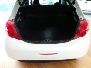 Peugeot 208 5-door 1.2 Access - Image 7