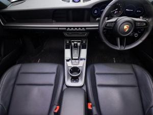 Porsche 911 Carrera Cabriolet PDK - Image 12