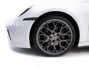 Porsche 911 Carrera Cabriolet PDK - Image 4