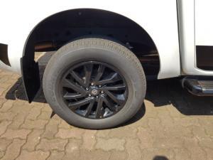 Nissan Navara 2.3D double cab 4x4 Stealth auto - Image 8