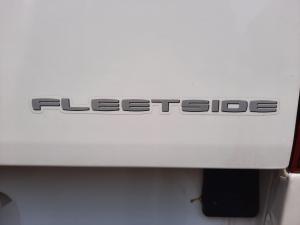 Isuzu KB 250 Fleetside - Image 17