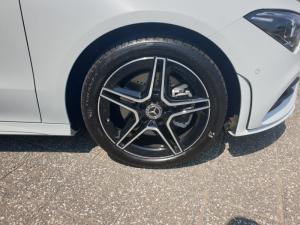 Mercedes-Benz CLA CLA220d - Image 9