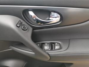 Nissan Qashqai 1.2T Midnight CVT - Image 16