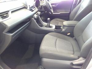 Toyota RAV4 2.0 GX - Image 16