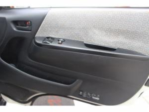 Toyota Quantum 2.5 D-4D 10 Seat - Image 11