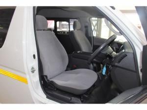 Toyota Quantum 2.5 D-4D 10 Seat - Image 12