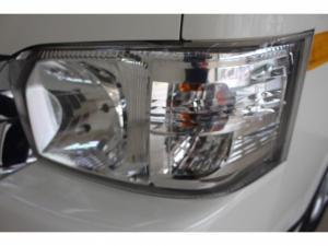 Toyota Quantum 2.5 D-4D 10 Seat - Image 9