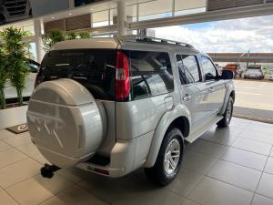 Ford Everest 3.0TDCi XLT - Image 6
