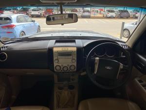 Ford Everest 3.0TDCi XLT - Image 9