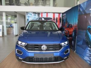 Volkswagen T-ROC 2.0 TSI Design 4MOT DSG - Image 3