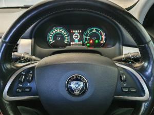 Jaguar XF 2.2D Premium Luxury - Image 11