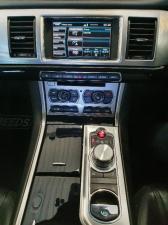 Jaguar XF 2.2D Premium Luxury - Image 14