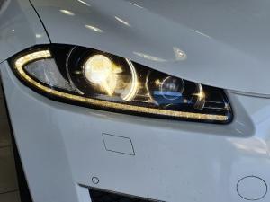 Jaguar XF 2.2D Premium Luxury - Image 6