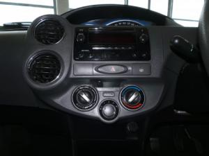 Toyota Etios sedan 1.5 Xs - Image 10