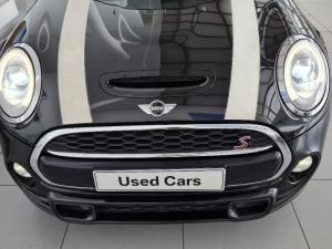 MINI Hatch Cooper Hatch 3-door auto - Image 2