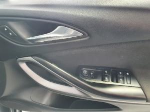 Opel Astra 1.4T Enjoy - Image 11