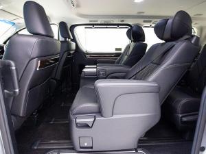 Toyota Quantum 2.8 VX 9 Seat - Image 11