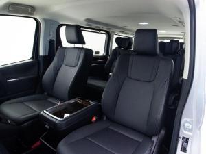 Toyota Quantum 2.8 VX 9 Seat - Image 13