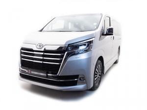 Toyota Quantum 2.8 VX 9 Seat - Image 2