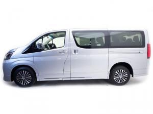 Toyota Quantum 2.8 VX 9 Seat - Image 6