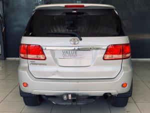 Toyota Fortuner 3.0D-4D - Image 8