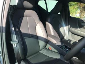 Volvo XC40 T5 R-DESIGN AWD Geartronic - Image 11