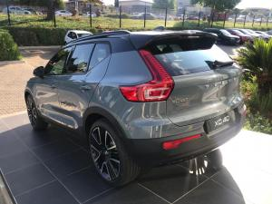 Volvo XC40 T5 R-DESIGN AWD Geartronic - Image 4