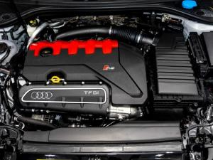Audi RS3 Sportback Stronic - Image 11
