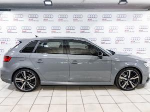 Audi RS3 Sportback Stronic - Image 9