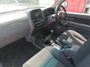 Nissan Hardbody NP300 2.5 TDi HI-RIDERD/C - Image 8