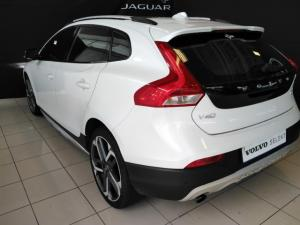 Volvo V40 Cross Country D3 Inscription - Image 3