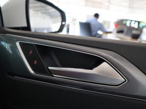 Volkswagen Polo hatch 1.0TSI Highline auto - Image 24