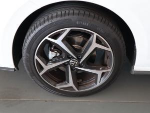 Volkswagen Polo hatch 1.0TSI Highline auto - Image 27