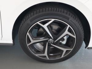 Volkswagen Polo hatch 1.0TSI Highline auto - Image 29
