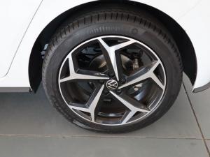Volkswagen Polo hatch 1.0TSI Highline auto - Image 30