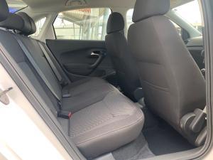 Volkswagen Polo sedan 1.4 Comfortline - Image 11