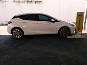 Opel Astra hatch 1.4T Sport - Image 3