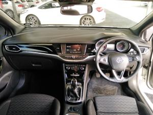 Opel Astra hatch 1.4T Sport - Image 9