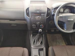 Isuzu D-Max 250 Extended cab Hi-Ride - Image 3